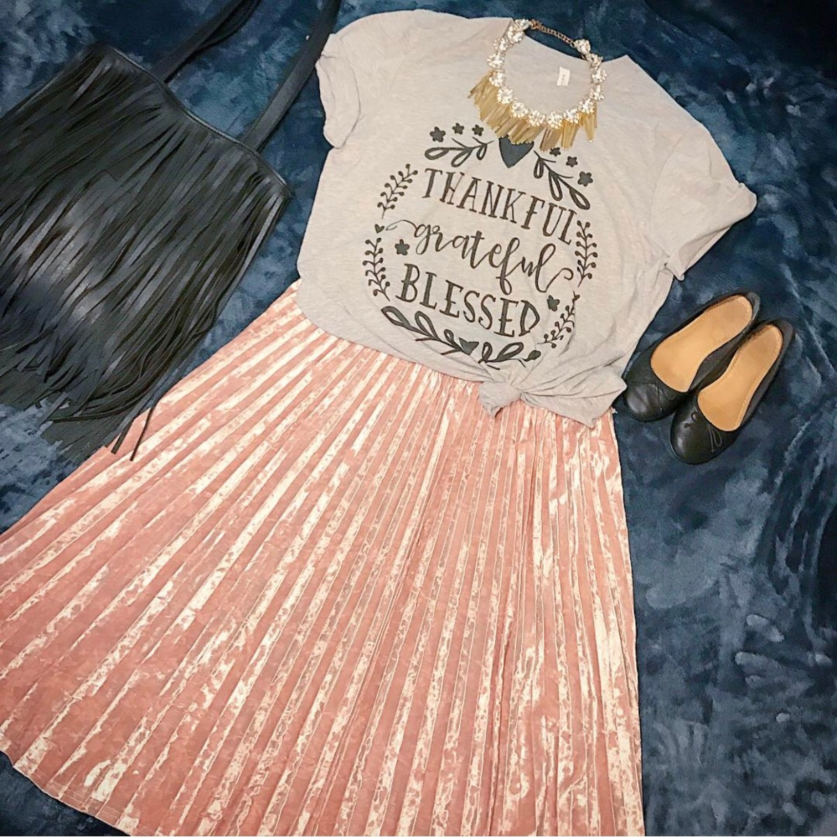 Velvet Pleated Skirt and Graphic Tee #ootd